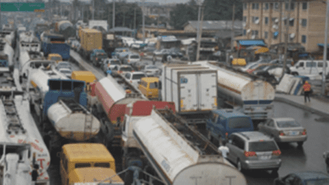 Gridlock: Sanwo-Olu abandons Oshodi-Apapa expressway, as motorists, commuters lament